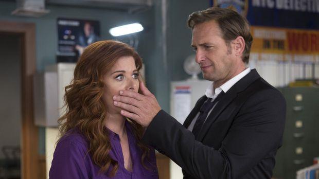 Um gegen ihren Captain Nancy Santiani anzukommen, müssen sich Laura (Debra Me...