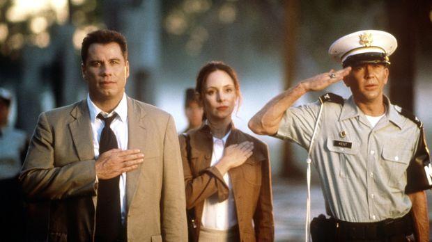 Paul Brenner (John Travolta, l.) und seine Kollegin Sara Sunhill (Madeleine S...