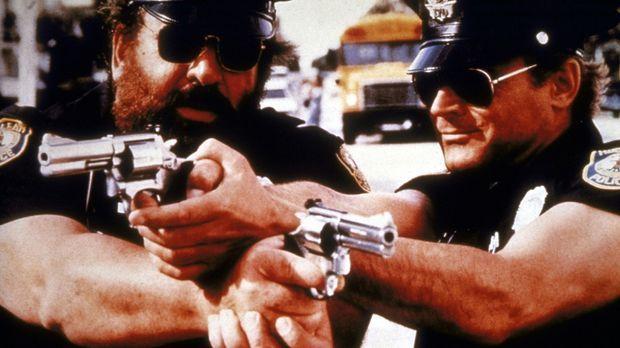 Die FBI-Agenten Steve Forrest (Bud Spencer, r.) und Doug Bennet (Terence Hill...