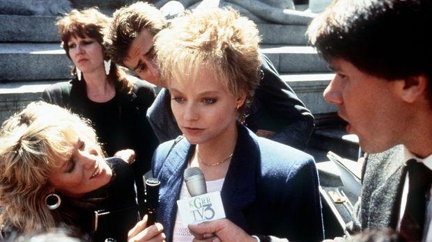 Sarah (Jodie Foster, M.) vor dem zweiten Prozess, in dem sie endlich ihre Ver...
