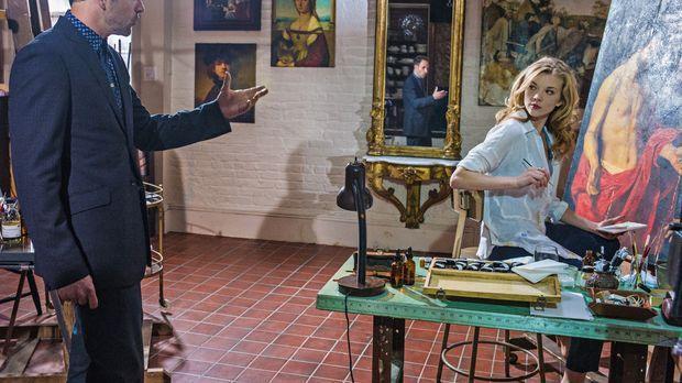 Das plötzliche Auftauchen von Sherlocks (Jonny Lee Miller, l.) Ex-Geliebter I...