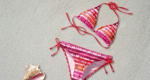 Auch ein Farbwechsel macht Bikinis interessant. Im Wasser bekommt das einfarb...