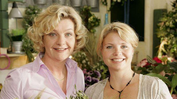 Die junge Witwe Peggy (Annette Frier, r.) betreibt zusammen mit ihrer Mutter...