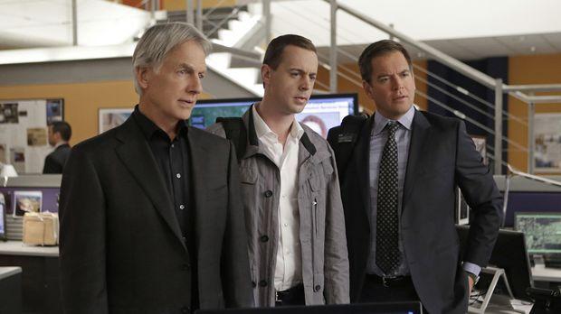 Ein neuer Fall wartet auf Gibbs (Mark Harmon, l.), McGee (Sean Murray, M.) un...