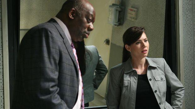Sind Josie (Sarah Brown, r.) und Det. Will Jeffries (Thom Barry, l.) auf der...