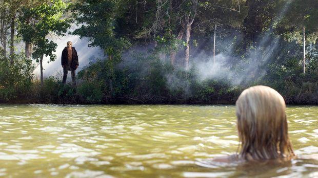 Dumm gelaufen: Als Chelsea (Willa Ford, r.) beim Wasserskifahren stürzt, fäll...
