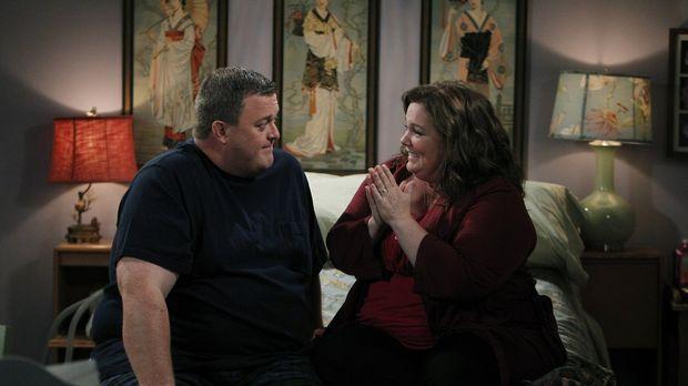 Molly (Melissa McCarthy, r.) und Mike (Billy Gardell, l.) sind mittlerweile v...