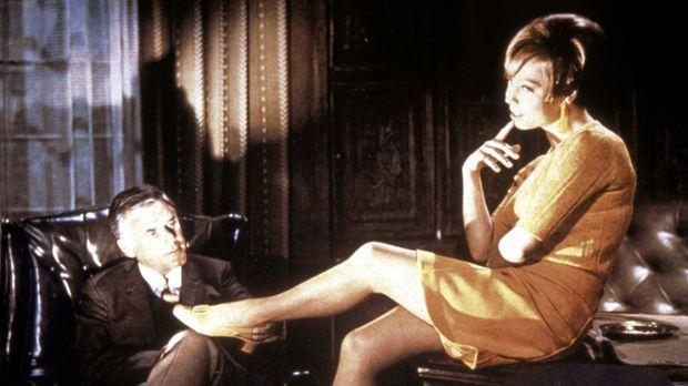 Nach dubiosen Morden in einem Mädchenpensionat scheint Inspektor Higgins (Joa...