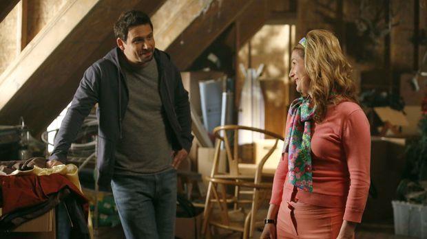 George (Jeremy Sisto, l.) möchte sein Haus verkaufen und mit seiner Freundin...