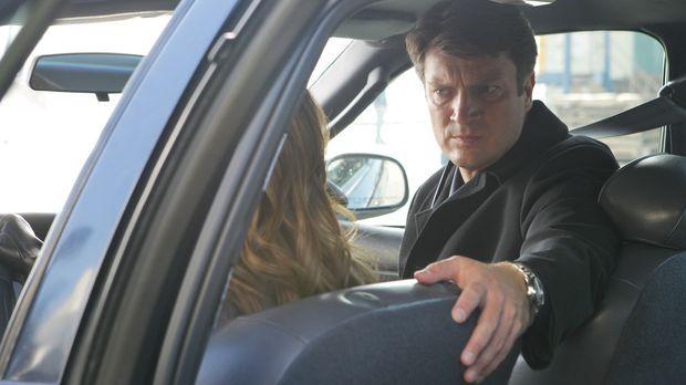 Beckett (Stana Katic, l.) und Castle (Nathan Fillion, r.) sind auf der Jagd n...