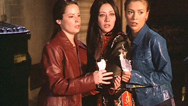 (v.l.n.r.) Piper (Holly Marie Combs), Prue (Shannen Doherty) und Phoebe (Alys...