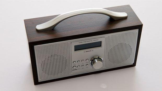 portable-radio-413732_1280