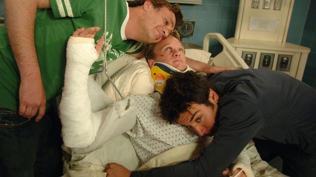 Wahre Freunde: Ted (Josh Radnor, r.), Marshall (Jason Segel, l.) und Barney (...