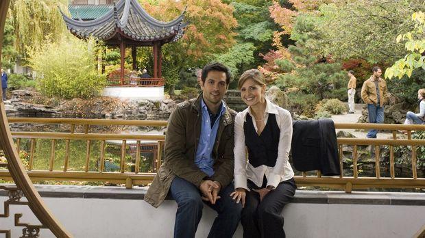 Jess (Sarah Michelle Gellar, r.) und Ryan (Michael Landes, l.) sind ein glück...