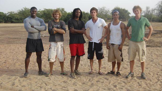 Die sechs mutigen Männer machen sich auf in die entlegensten Gebiete der Erde...