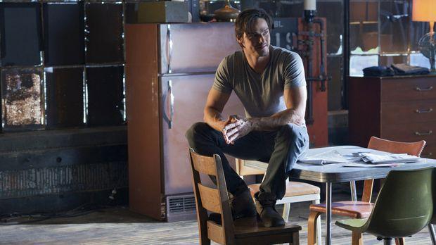 Vincent (Jay Ryan) wünscht sich nichts sehnlicher, als ein normales Leben füh...