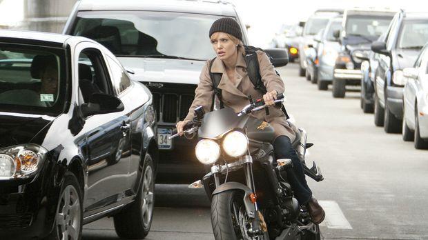 Evelyn Salt (Angelina Jolie) gehört zu den fähigsten CIA-Agenten, die für die...