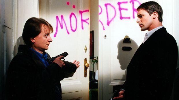 Die Mieter eines Hauses haben ihren Mitmieter Hollub bei der Polizei denunzie...