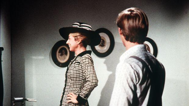 Noch nie hat John-Boy (Richard Thomas, r.) seine Mutter so elegant gesehen: O...