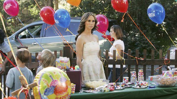 Nach einem Zeitsprung von fünf Jahren: Melinda (Jennifer Love Hewitt) hat inz...