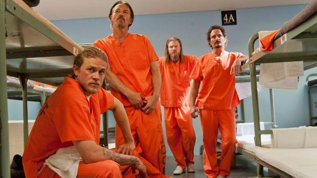 Noch ahnen Jax (Charlie Hunnam, l.), Chibs (Tommy Flanagan, 2.v.l.), Opie (Ry...