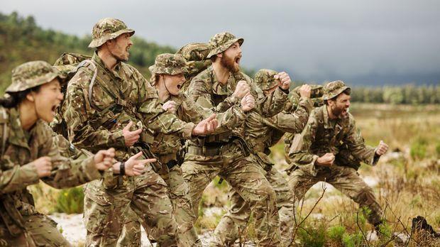 Die fittesten Männer und Frauen Großbritanniens kämpfen um den Sieg: Die Rekr...