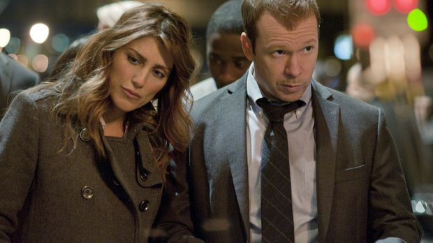 Können Jackie (Jennifer Esposito, l.) und Danny (Donnie Wahlberg, r.) den Kre...