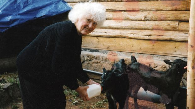 Gefährliche Tierliebe: Donna Munson bezahlte mit ihrem Leben, als sie ein Bär...