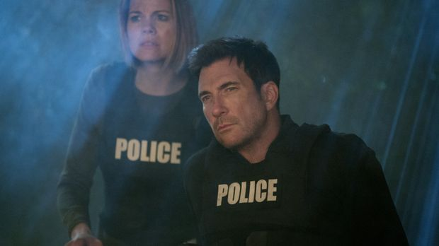 Machen sich auf die Suche nach Beth und geraten dabei selbst in große Gefahr:...