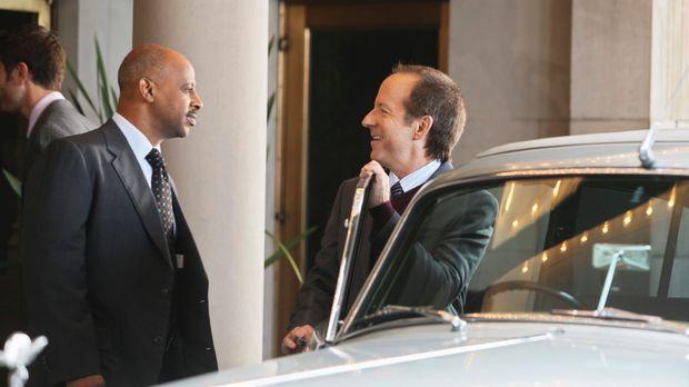 Captain Roy Montgomery (Ruben Santiago-Hudson, l.) hat das Gefühl, dass Frank...