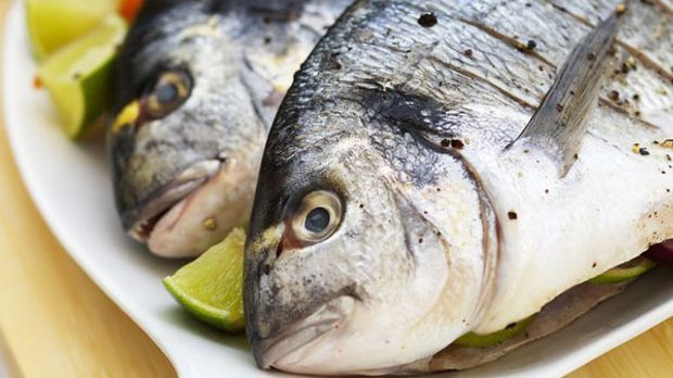 Leichter Auflauf mit Fischfilet, Kartoffeln, Zucchini und Ingwer