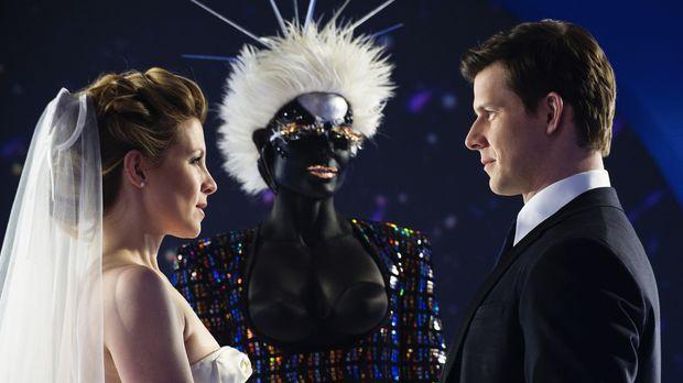 Daniel (Eric Mabius, r.) und Molly (Sarah Lafleur, l.) heiraten ... © 2008...