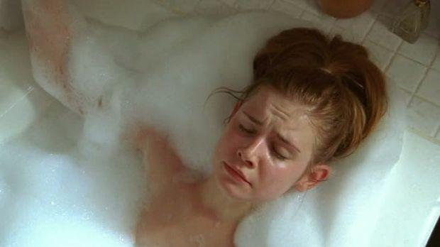 Nackt in der Badewanne überrascht - deutsche