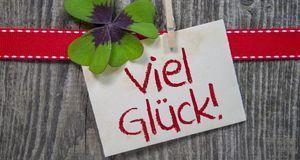 Silvesterparty_2015_12_01_Silvester-Glückwünsche_Bild 1_fotolia_stockWERK