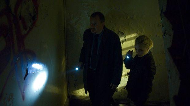 Den Detektiven Helen Westcott (Melissa George, r.) und Eddie Argo (Stellan Sk...