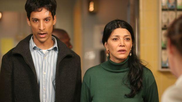 Mahir (Danny Pudi, l.) und Riza (Shohreh Aghdashloo, r.) hoffen, dass Nimet g...