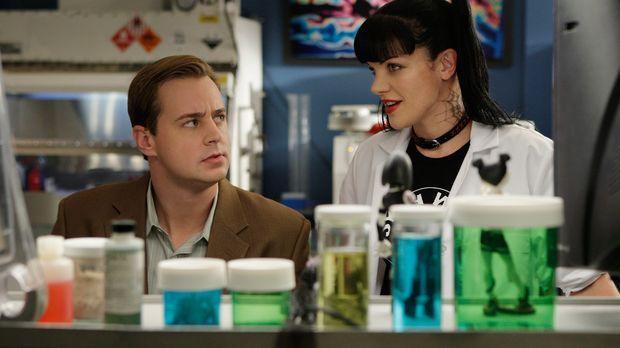 Ein Mörder muss gefasst werden: Abby (Pauley Perrette, r.) und McGee (Sean Mu...