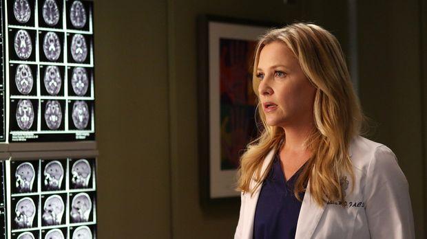 Arizona (Jessica Capshaw) lässt aus Neugierde hinter Dr. Hermans Rücken die K...