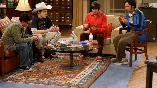 Männerabend: Sheldon (Jim Parsons, 2.v.l.), Raj (Kunal Nayyar, r.), Leonard (...