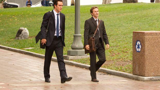 Gemeinsam versuchen Peter Bash (Mark-Paul Gosselaar, l.) und Jared Franklin (...