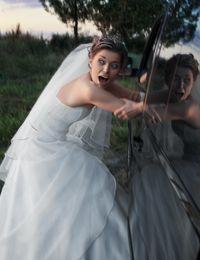 Hilfe! Die Brautentführung überrascht die meisten Frauen sehr.