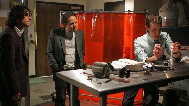 Gemeinsam versuchen sie ein neuen Fall zu lösen: Charlie (David Krumholtz, l....