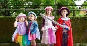 Eine gute Idee für Kinder sind Märchenkostüme.