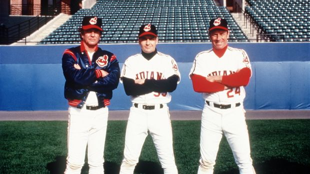Rick Vaughn (Charlie Sheen, M.), Taylor (Tom Berenger, l.) und Roger Dorn (Co...