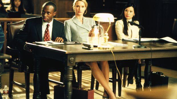 Jackson (Taye Diggs, l.) und Ling (Lucy Liu, r.) vertreten die Kanzleichefin...