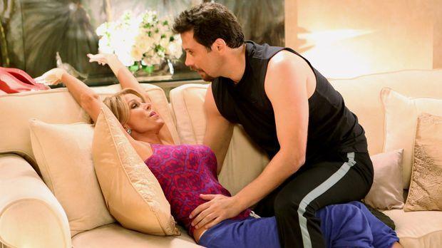 George (Jeremy Sisto, r.) und Dallas (Cheryl Hines, l.) werden intim - allerd...