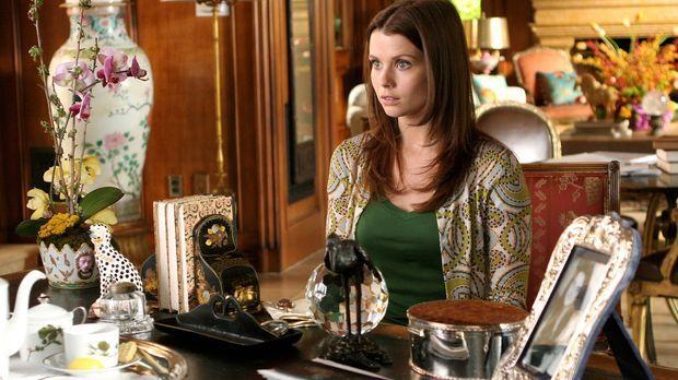 Megan Smith (Joanna Garcia) gelingt es nach ihrem Abschluss in Yale nicht, im...