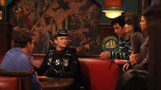 Barney (Neil Patrick Harris, 2.v.l.) zieht alle Register, um Frauen flachzule...