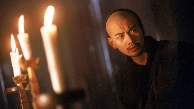 Fat (Michael Chow Man-Kin) riskiert alles, um den Vampir-König und seine mörd...