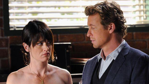 Stehen vor einem Rätsel: Patrick (Simon Baker, r.) und Teresa (Robin Tunney,...